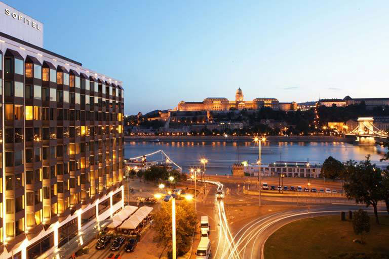 most affordable dental travel to Hungary